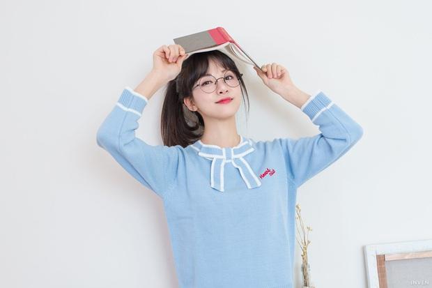 Ngắm trọn nhan sắc tựa thiên thần của nữ MC mới của LCK Kim Min Ah, không chỉ tài năng mà còn vô cùng xinh đẹp - Ảnh 13.