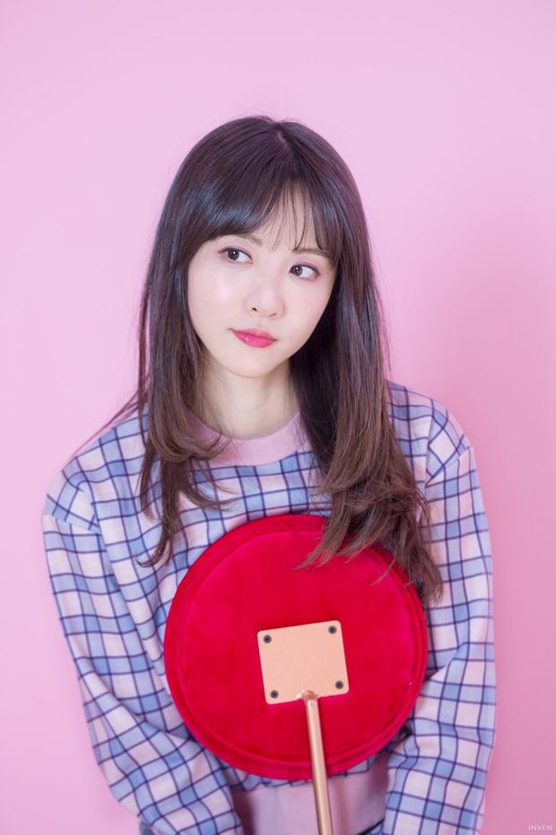 Ngắm trọn nhan sắc tựa thiên thần của nữ MC mới của LCK Kim Min Ah, không chỉ tài năng mà còn vô cùng xinh đẹp - Ảnh 22.
