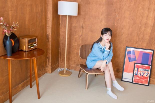 Ngắm trọn nhan sắc tựa thiên thần của nữ MC mới của LCK Kim Min Ah, không chỉ tài năng mà còn vô cùng xinh đẹp - Ảnh 28.