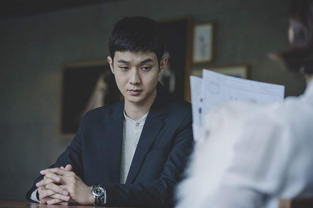 Ở Parasite Park Seo Joon biệt tăm sau khi khoe đi du học, vậy mà đến Tầng Lớp Itaewon vừa mở mắt đã thành tù nhân, ủa? - Ảnh 3.