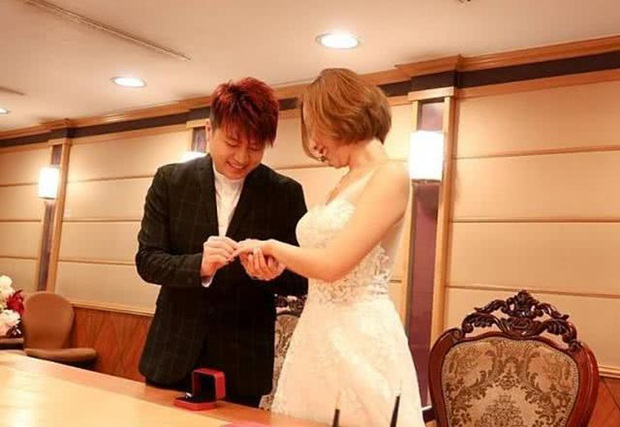 Cbiz hôm nay cũng có 1 đám cưới bí mật chẳng kém Touliver - Tóc Tiên: Cả hôn lễ chỉ có đúng... cô dâu chú rể tham dự - Ảnh 3.