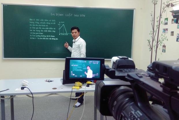 Kiến nghị Thủ tướng cho dạy học qua truyền hình - Ảnh 1.