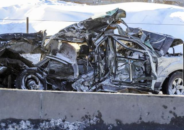 200 xe đâm liên hoàn: 2 người chết, 70 người bị thương - Ảnh 3.