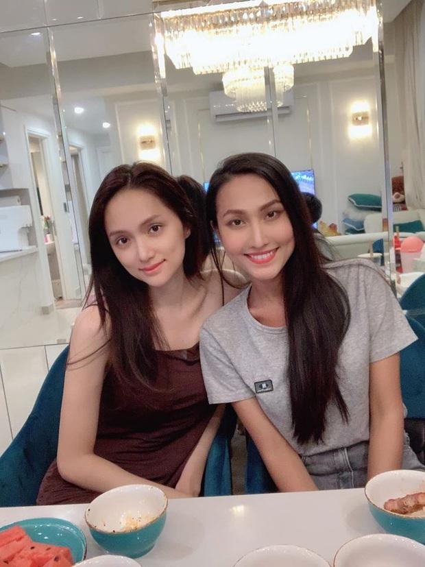 Hoài Sa hội ngộ Hương Giang trước giờ G chinh chiến tại Miss International Queen 2020, nhưng vì lý do gì? - Ảnh 3.