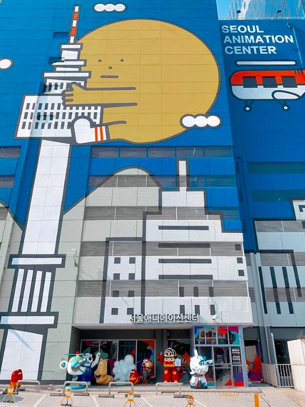Đi Hàn Quốc đúng lúc dịch virus Corona bùng phát, BB Trần ghi lại được quang cảnh vắng vẻ hiếm thấy ở con phố đông đúc bậc nhất Seoul - Ảnh 7.