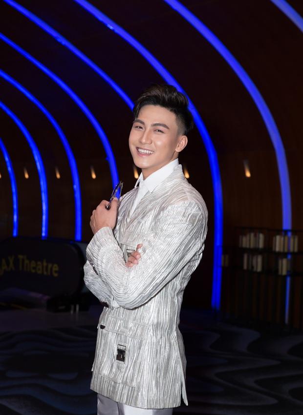 Mạc Trung Kiên xuất hiện bảnh bao, đầy tự tin trong các sự kiện giải trí Thái Lan