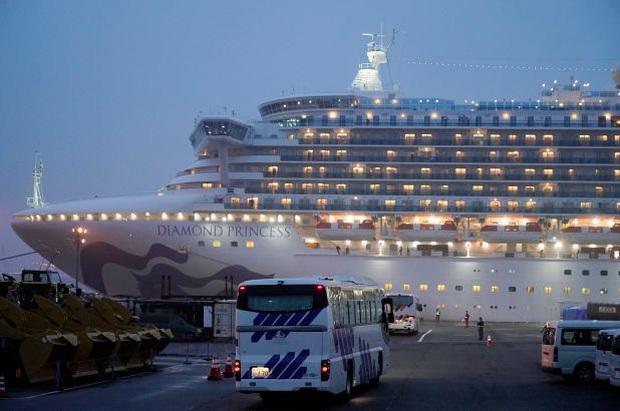 Nữ hành khách du thuyền Diamond Princess phản ứng gay gắt khi bị chỉ trích không chịu cách ly, đi ăn nhà hàng gây nguy hiểm cho cộng đồng - Ảnh 1.