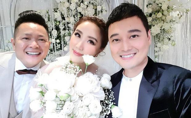 Những đám cưới bí mật rung chuyển Vbiz: Nhã Phương, Hari Won yêu cầu cực nghiêm, Tóc Tiên, Bảo Thy kín như bưng tới giờ G! - Ảnh 12.