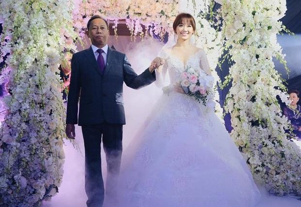 Những đám cưới bí mật rung chuyển Vbiz: Nhã Phương, Hari Won yêu cầu cực nghiêm, Tóc Tiên, Bảo Thy kín như bưng tới giờ G! - Ảnh 24.