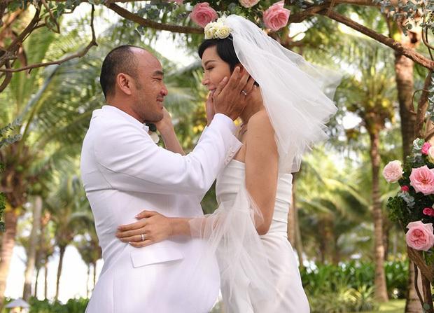 Những đám cưới bí mật rung chuyển Vbiz: Nhã Phương, Hari Won yêu cầu cực nghiêm, Tóc Tiên, Bảo Thy kín như bưng tới giờ G! - Ảnh 27.