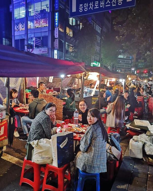 """Tất tần tật về Pojangmacha - văn hoá """"quán cóc"""" ven đường có một không hai ở Hàn Quốc từng gây bão trong nhiều bộ phim đình đám - Ảnh 1."""