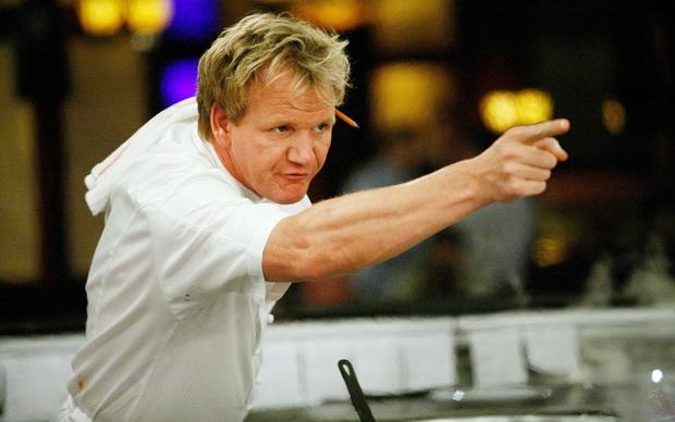 Đầu bếp lừng danh Gordon Ramsay chế biến pasta trái ngược hoàn toàn với cách mà người Ý làm, lý do thật sự là gì? - Ảnh 1.