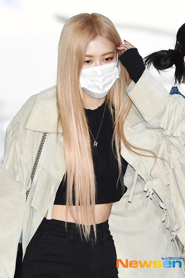 Màn đụng độ hot nhất ngày: Jennie hóa rich kid, mỹ nhân đẹp nhất thế giới năm 2019 và TWICE có cân được BLACKPINK? - Ảnh 11.