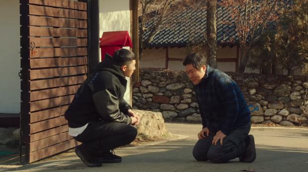 Hết lợi dụng đụng chạm Park Seo Joon, điên nữ Tầng Lớp Itaewon tuyên bố xử sạch kẻ nào dám sờ tới crush ở tập 7 - Ảnh 6.
