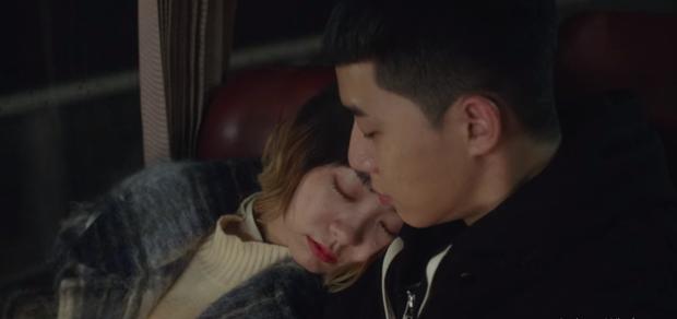 Hết lợi dụng đụng chạm Park Seo Joon, điên nữ Tầng Lớp Itaewon tuyên bố xử sạch kẻ nào dám sờ tới crush ở tập 7 - Ảnh 10.