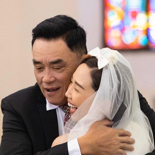 Bố Tóc Tiên hé lộ khoảnh khắc bên con gái trong hôn lễ, hiếm hoi công khai gửi lời nhắn đầy xúc động - Ảnh 2.
