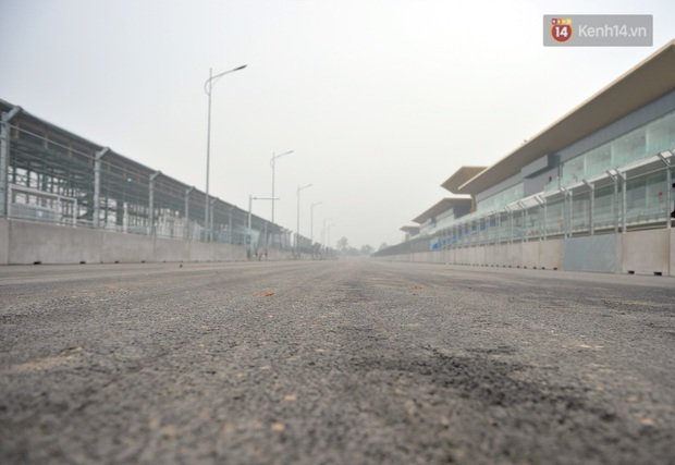 Cận cảnh đường đua F1 tại Hà Nội đang được gấp rút hoàn thành - Ảnh 12.