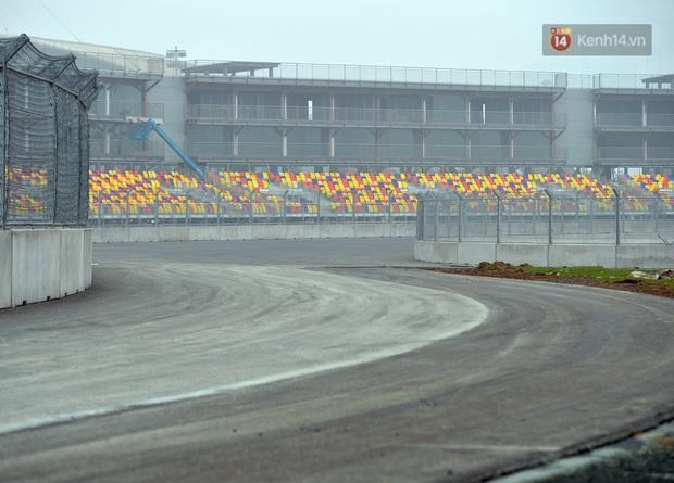 Cận cảnh đường đua F1 tại Hà Nội đang được gấp rút hoàn thành - Ảnh 5.
