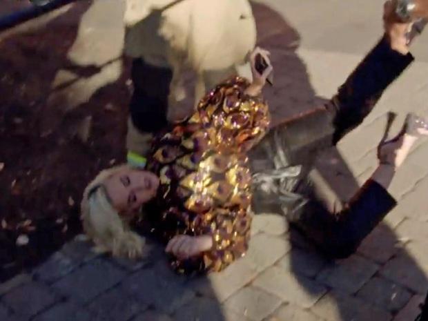 Phát hoảng trước cảnh Katy Perry ngã quỵ xuống đất sau sự cố chưa từng có trong lịch sử American Idol - Ảnh 2.