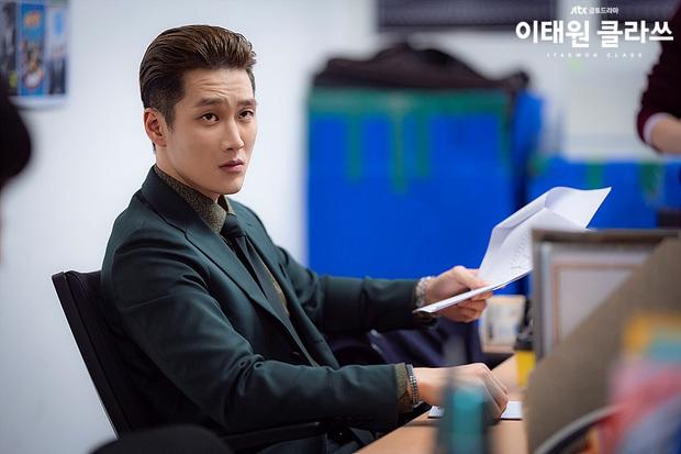 Ác nam Tầng lớp Itaewon: Người mẫu body hot 1000 độ, thân với Song Joong Ki và chuyện thầm crush Song Hye Kyo - Ảnh 12.