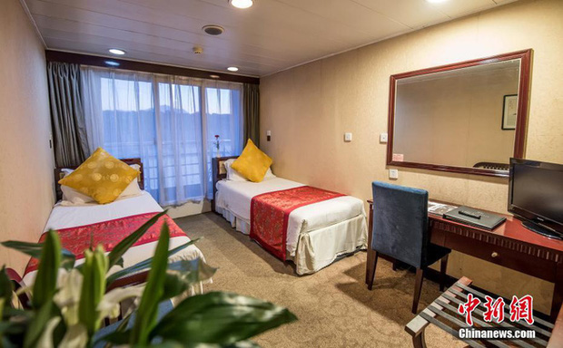 COVID-19 ảnh hưởng du lịch, TQ quyết định tận dụng du thuyền sang trọng làm nơi ở cho các y bác sĩ ở Vũ Hán - Ảnh 3.