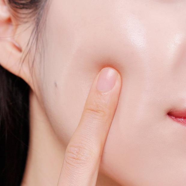 Chuyên gia lên lịch chăm sóc da cho cô dâu, quan trọng nhất là tips đắp mặt nạ và uống nước vào ngày cưới - Ảnh 3.