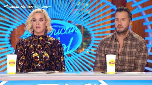 Phát hoảng trước cảnh Katy Perry ngã quỵ xuống đất sau sự cố chưa từng có trong lịch sử American Idol - Ảnh 1.