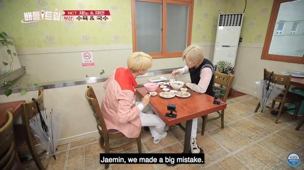 Mấy ai chiều fan như hai chàng trai nhóm nhạc NCT: rủ nhau đi ăn nhưng không quên chụp hình theo chủ đề bạn trai dành tặng fan của mình - Ảnh 7.