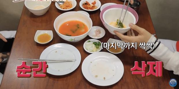 Mấy ai chiều fan như hai chàng trai nhóm nhạc NCT: rủ nhau đi ăn nhưng không quên chụp hình theo chủ đề bạn trai dành tặng fan của mình - Ảnh 17.