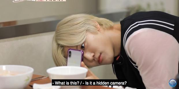 Mấy ai chiều fan như hai chàng trai nhóm nhạc NCT: rủ nhau đi ăn nhưng không quên chụp hình theo chủ đề bạn trai dành tặng fan của mình - Ảnh 11.