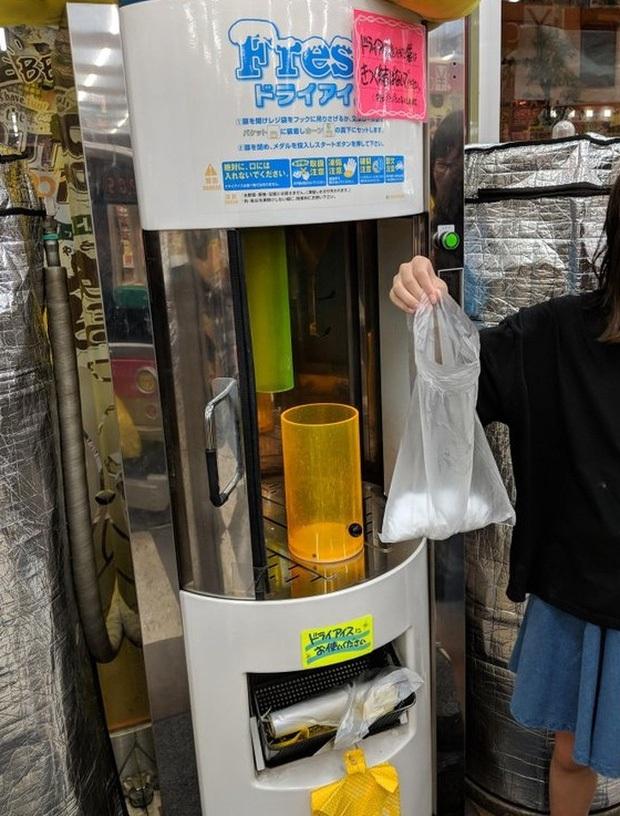 """""""Vũ trụ"""" máy bán hàng tự động ở Nhật Bản, nhiều loại độc lạ đến nỗi khiến du khách ngỡ mình đang lạc vào hành tinh khác (Phần 1) - Ảnh 33."""