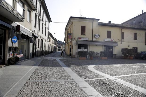 Italy trở thành điểm nóng virus corona tại Châu Âu: 132 ca nhiễm bệnh và 2 người chết, chưa cách nào xác định nguồn lây lan - Ảnh 3.