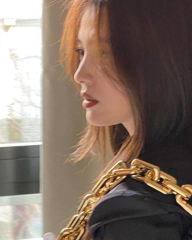 Ngược đời Song Hye Kyo tại Milan: Nhiếp ảnh gia chụp dìm đau đớn, kéo đến ảnh chụp vội mà đẹp mất hồn - Ảnh 8.