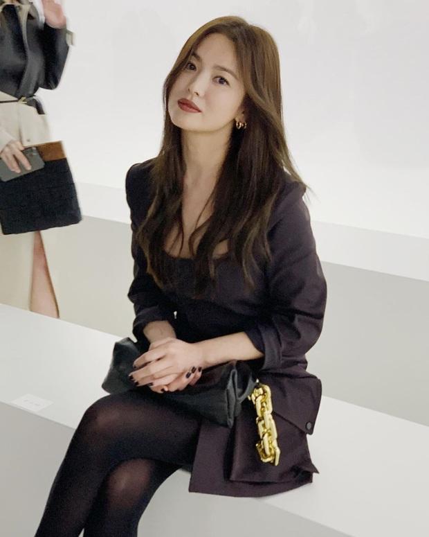 Trời ơi Song Hye Kyo ma mị ngút ngàn tại trời Tây, thần thái xuất sắc đến mức không thể rời mắt - Ảnh 9.