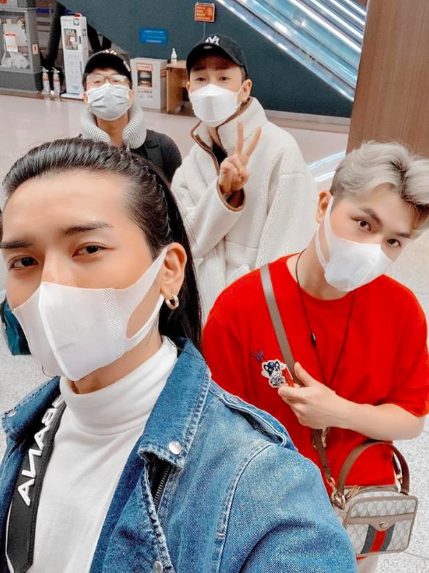 Những hình ảnh vắng vẻ đến kinh ngạc ở Seoul do chính BB Trần chụp lại trong chuyến du lịch Hàn Quốc giữa thời điểm dịch virus Corona bùng phát - Ảnh 1.