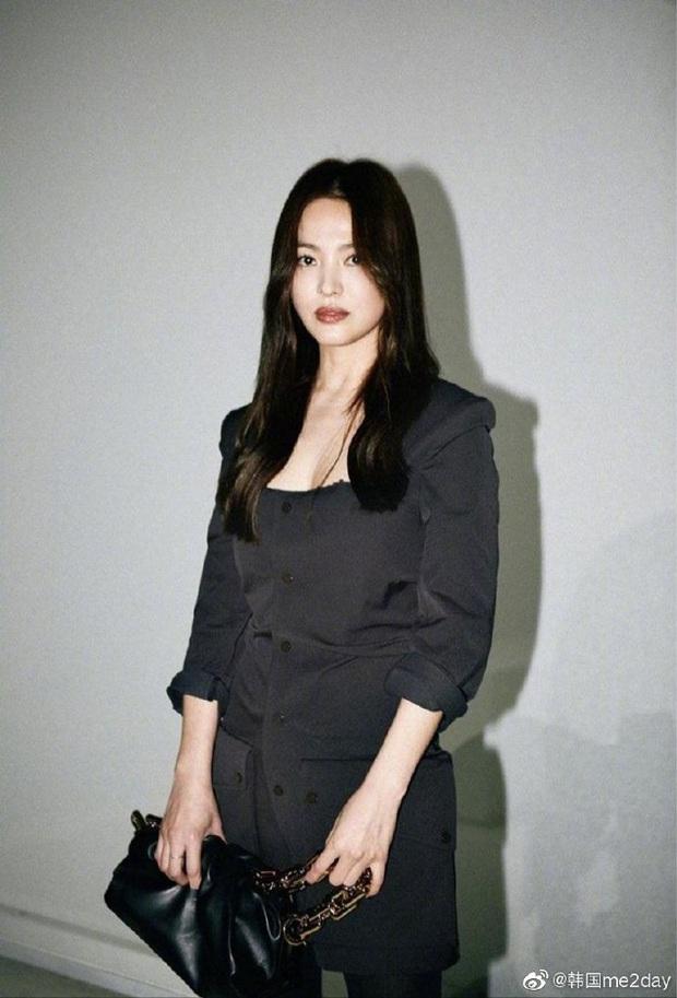 Trời ơi Song Hye Kyo ma mị ngút ngàn tại trời Tây, thần thái xuất sắc đến mức không thể rời mắt - Ảnh 11.