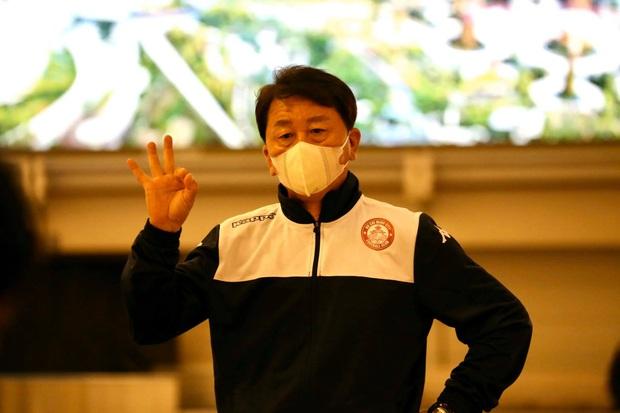 Vượt qua sợ hãi virus corona, Công Phượng nai nịt kín mít đến Singapore tìm chiến thắng đầu tiên ở châu lục - Ảnh 6.