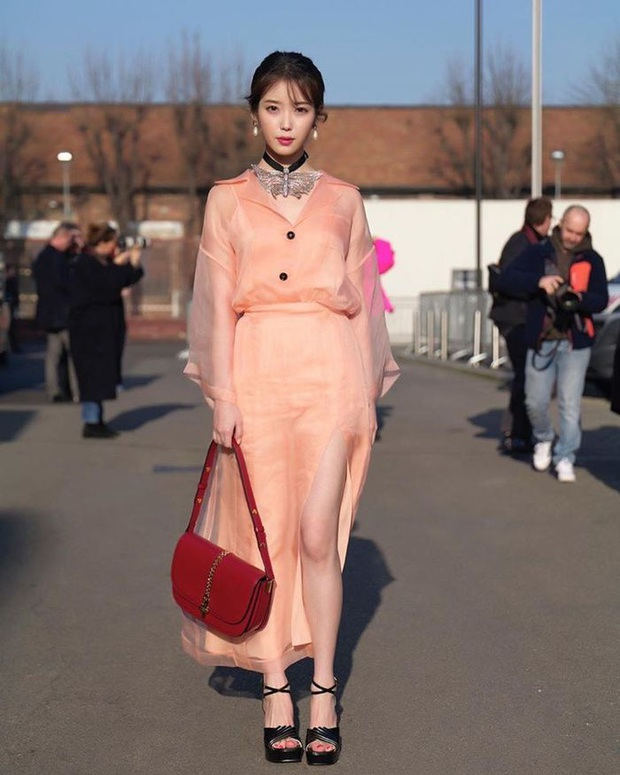 Dàn nữ thần Hàn đọ đại náo nước Ý: Song Hye Kyo đụng độ Han Ye Seul, em gái quốc tế Lisa có cân được em gái quốc dân IU? - Ảnh 8.