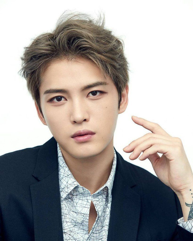 Giữa tâm bão virus COVID-19: Park Seo Joon, Lee Young Ae cứu trợ tiền tỷ, Hyun Bin gửi tâm thư xúc động - Ảnh 7.