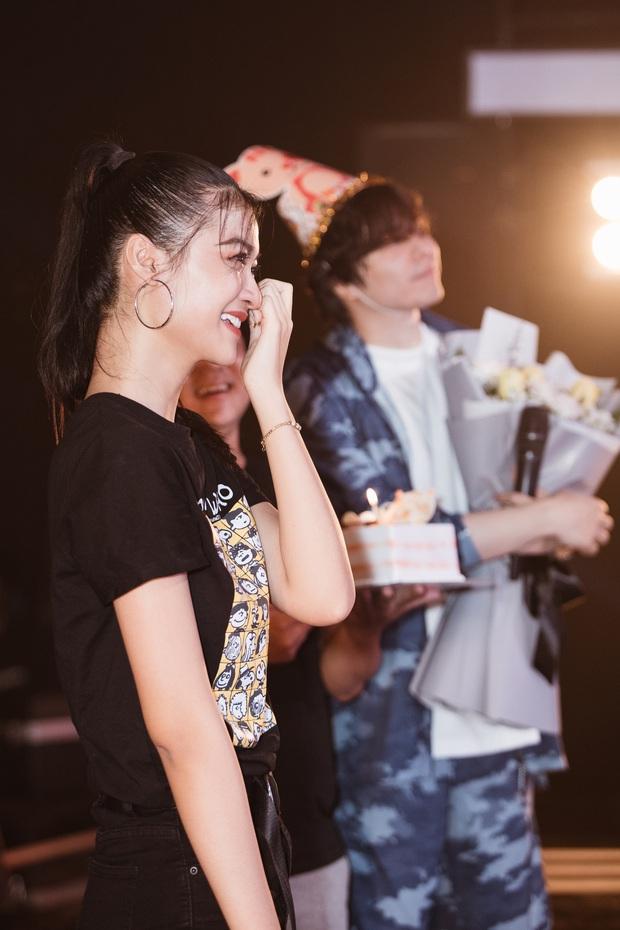Trịnh Thăng Bình bất ngờ tạo drama khiến Á hậu Kiều Loan khóc nức nở trong ngày sinh nhật - Ảnh 4.