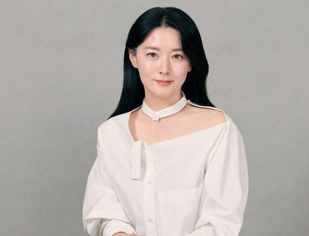 Giữa tâm bão virus COVID-19: Park Seo Joon, Lee Young Ae cứu trợ tiền tỷ, Hyun Bin gửi tâm thư xúc động - Ảnh 3.