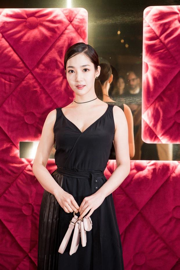 Dàn nữ thần Hàn đọ đại náo nước Ý: Song Hye Kyo đụng độ Han Ye Seul, em gái quốc tế Lisa có cân được em gái quốc dân IU? - Ảnh 29.