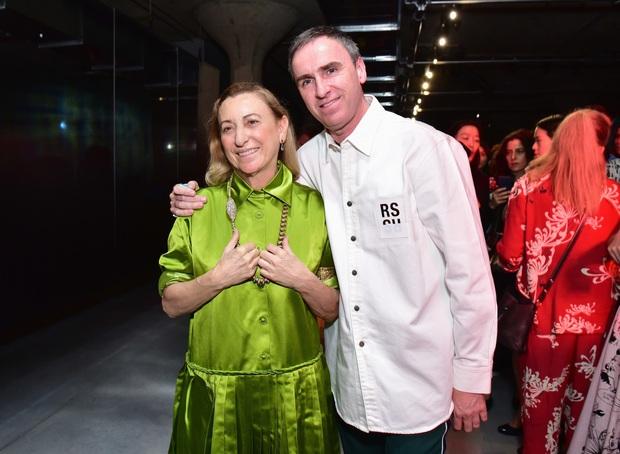Raf Simons chính thức trở thành giám đốc sáng tạo của Prada, lập nên màn song kiếm hợp bích lịch sử - Ảnh 1.