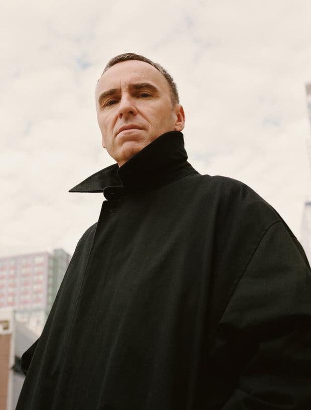 Raf Simons chính thức trở thành giám đốc sáng tạo của Prada, lập nên màn song kiếm hợp bích lịch sử - Ảnh 2.
