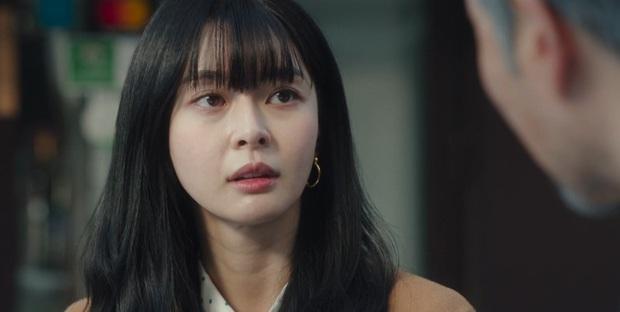 Tình đầu của Park Seo Joon ở Tầng Lớp Itaewon khiến hội chị em bực mình vì tông make up chó đốm ngộ nghĩnh - Ảnh 1.