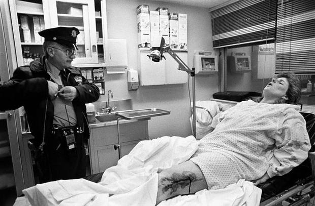 Nữ nhiếp ảnh gia mất cảm giác an toàn ở nơi gọi là nhà khi chứng kiến bạo lực gia đình cùng hàng loạt câu chuyện bi kịch đằng sau - Ảnh 1.