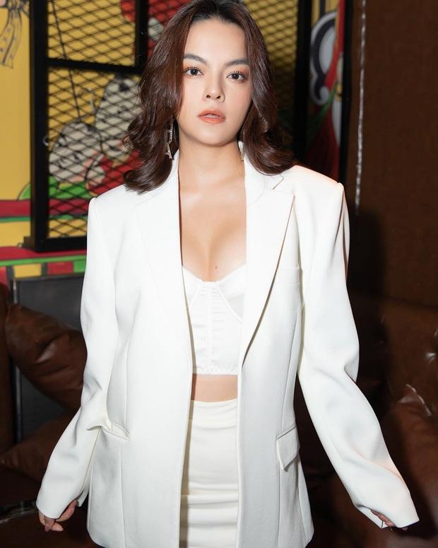 Tự nhiên đã có của nả nhưng Phạm Quỳnh Anh vẫn nhờ đến tuyệt kỹ để vòng 1 thêm sexy - Ảnh 3.