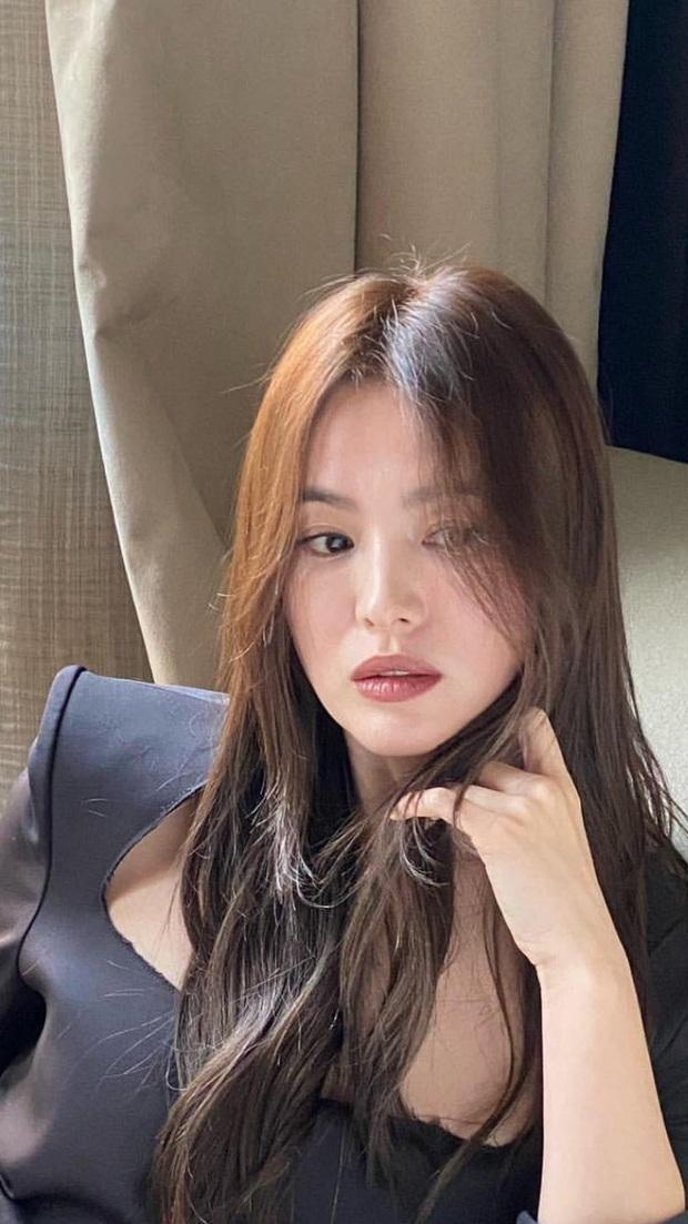 Ngược đời Song Hye Kyo tại Milan: Nhiếp ảnh gia chụp dìm đau đớn, kéo đến ảnh chụp vội mà đẹp mất hồn - Ảnh 10.