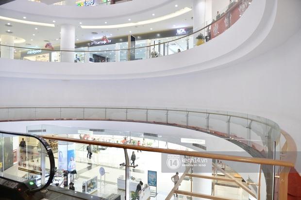 HOT: Cửa hàng UNIQLO đầu tiên tại Hà Nội chính thức khai trương vào 6/3, các tín đồ shopping chuẩn bị thóc đi là vừa - Ảnh 3.