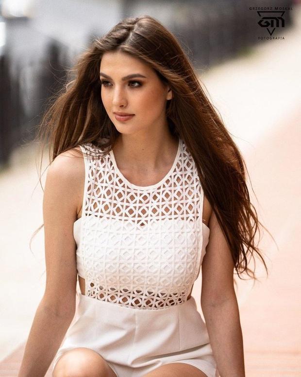 Những đối thủ đầu tiên của Khánh Vân tại Miss Universe 2020: Toàn chiến binh mạnh, đại diện Ấn Độ xứng đáng phải dè chừng! - Ảnh 12.